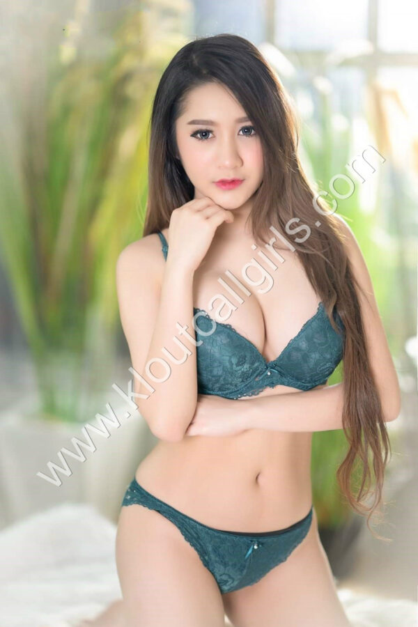 Hot-Sexy-KL-Escort-Girls-KL-Out-Call-Girls-Vietnam-